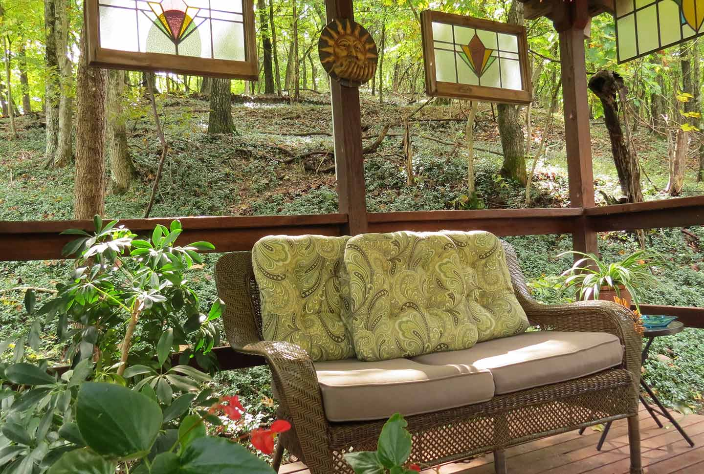 benton-place-inn-gazebo-seating