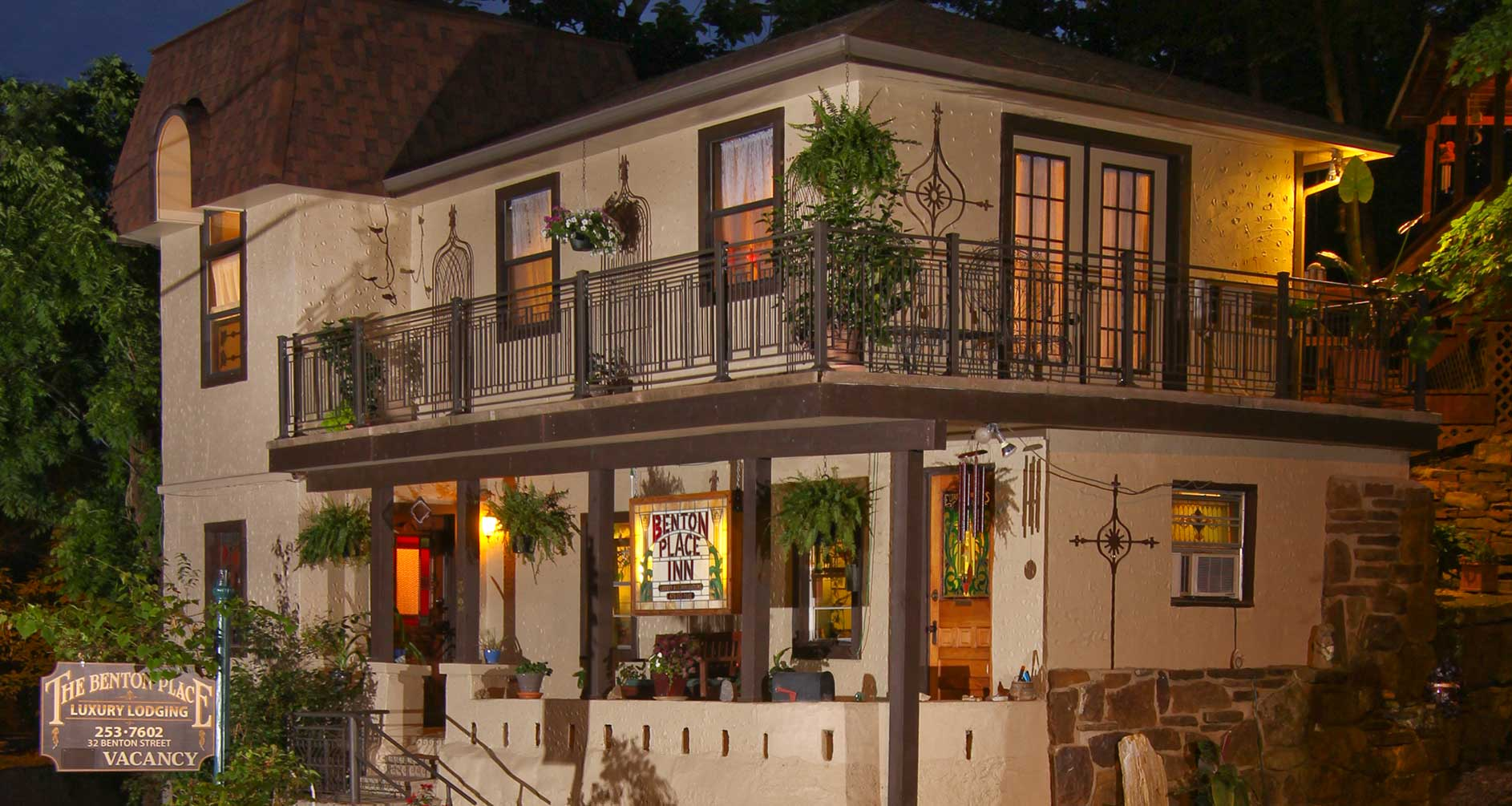 Secluded Suites Nestled In The Heart Of Downtown Eureka Springs